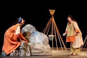Un'immagine tratta dallo spettacolo L'acqua e il mistero di Maripura